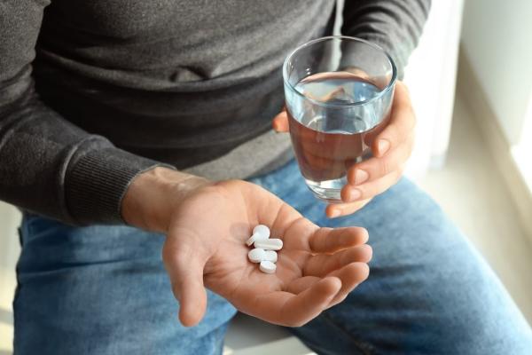 Прием антибактериальных препаратов