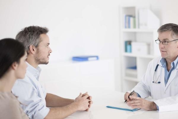 Консультация у врача по поводу зачатия ребенка
